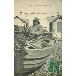 80 CAYEUX SUR MER. Pêcheur réparant son filet 1911
