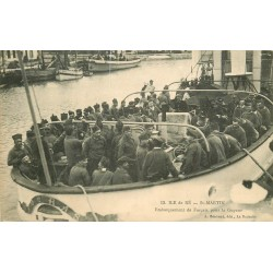 17 SAINT-MARTIN ILE DE RE. Embarquement de Forçat pour la Guyane 1913