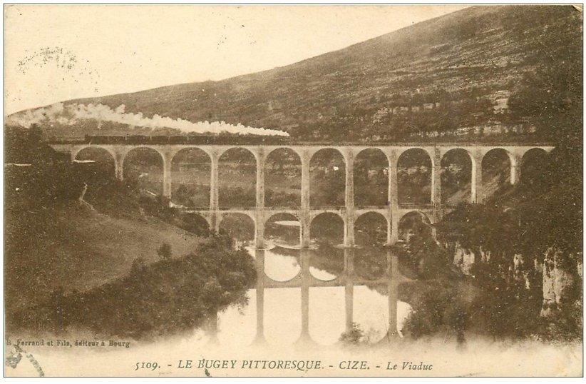 carte postale ancienne 01 Cize. Train sur le Viaduc. Bugey