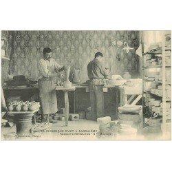carte postale ancienne 16 ANGOULEME. La Céramique. Moulage. Faïencerie Renoleau