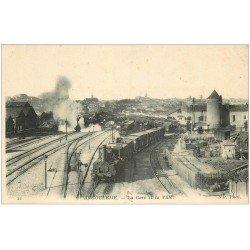 carte postale ancienne 16 ANGOULEME. La Gare avec Trains et Locomotives à vapeur
