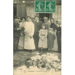 28 LA LOUPE. Un coin du Marché 1911
