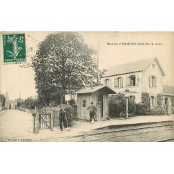 95 ERMONT HALTE. Station Gare avec cantonnier et balayeur