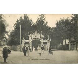 17 FOURAS. Entrée du Casino avec enfant sur auto à pédales 1912