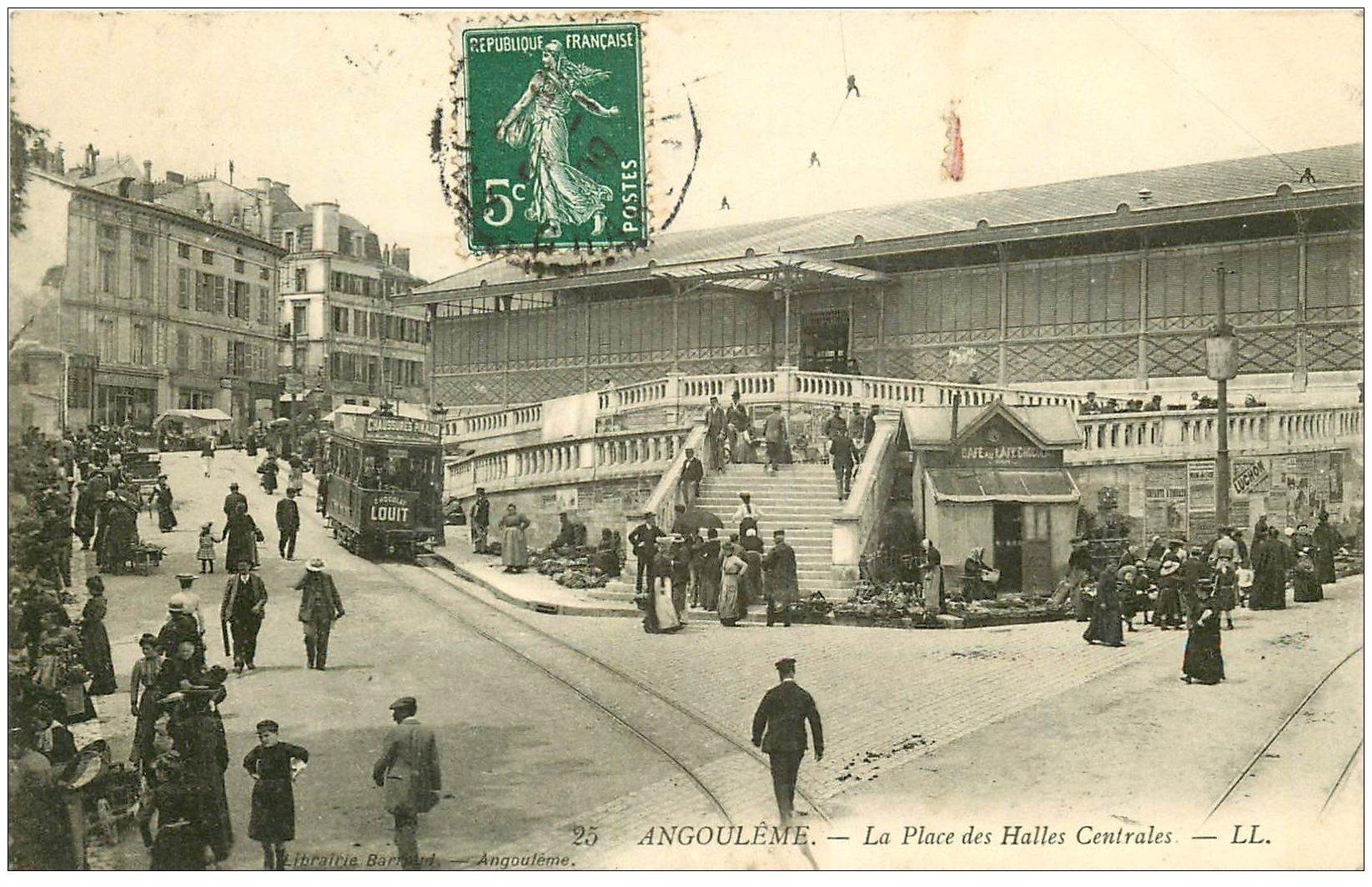 carte postale ancienne 16 ANGOULEME. Place des Halles Centrales 1909