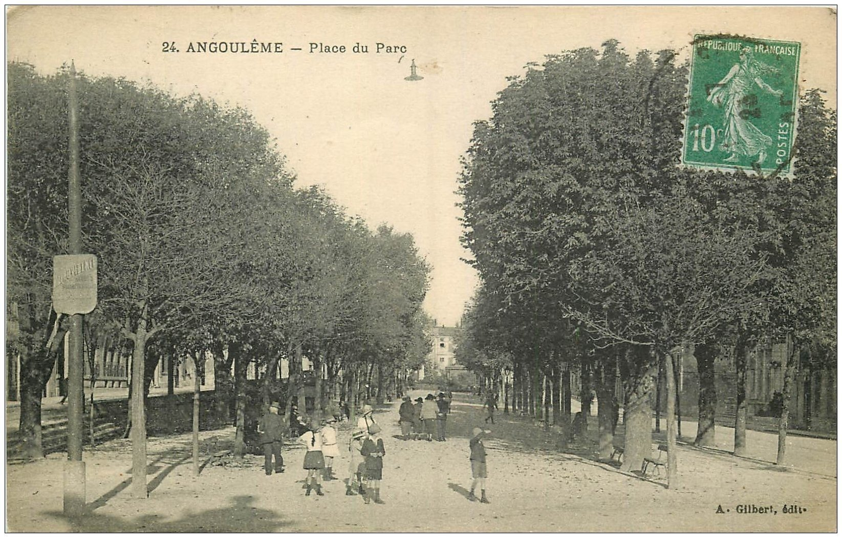carte postale ancienne 16 ANGOULEME. Place du Parc 1923