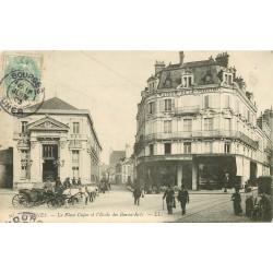 18 BOURGES. Ecole des Beaux-Arts Place Cujas et maison de la Forestine 1903