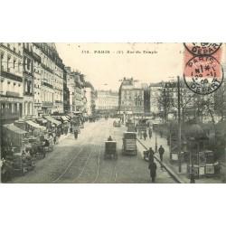 75 PARIS 03. Rue du Temple grosse animation en 1906 au niveau du Square
