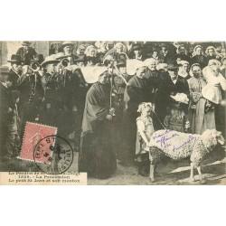 29 SAINT-JEAN-DU-DOIGT. La Procession avec le petit Saint Jean et son mouton 1904