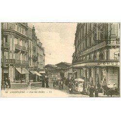 carte postale ancienne 16 ANGOULEME. Rue des Halles vendeur de Glaces ambulant