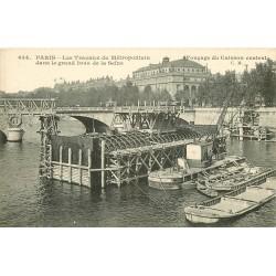 PARIS METROPOLITAIN. Les Travaux Fonçage du Caisson central sur la Seine