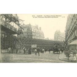 PARIS METROPOLITAIN. Les Travaux Place Saint-Michel attelage et Café