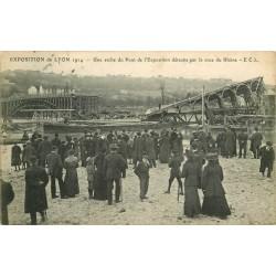 69 LYON 1914. Une arche du Pont de l'Exposition détruite par la crue du Rhône. Tampon Hôtel Dieu
