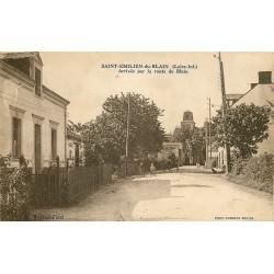 44 SAINT-EMILIEN-DU-BLAIN. Arrivée de cyclistes par la route de Blain 1936