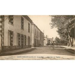 44 SAINT-EMILIEN-DU-BLAIN. Commerce côté Est de l'Eglise 1936