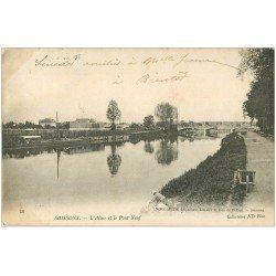 carte postale ancienne 02 SOISSONS. Pont Neuf et l'Aisne 1904 Lavandière
