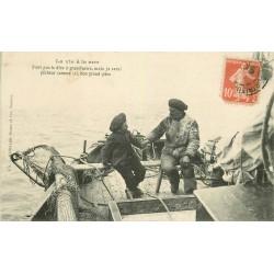 22 PORTRIEUX. Série la vie à la mer : Petit fils et Grand père Pêcheurs 1909