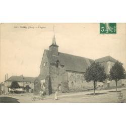 18 VAILLY. Paysans derrière l'Eglise 1908