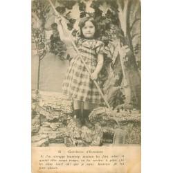 76 LE TREPORT. Jeune Chercheuse d'Ecrevisses 1904
