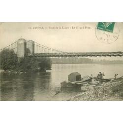 58 COSNE COURS SUR LOIRE. Le Grand Pont avec Lavandières sur la Péniche lavoir 1911