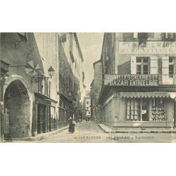 46 FIGEAC. Nouvelles Galeries et Bazar rue Gambetta