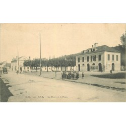 64 GAN. La Mairie et la Place 1908
