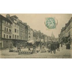 14 LISIEUX. Jour de Marché Place Victor-Hugo 1906