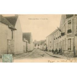 77 VILLIERS-SOUS-GREZ. Grande Rue avec personnages attablés à une Terrasse d'Hôtel et le Facteur devant le Tabac