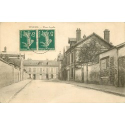 41 VINEUIL. Place Joyalle 1911