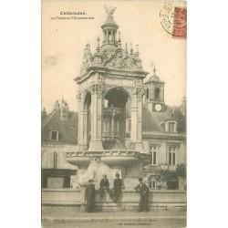 28 CHATEAUDUN. La Fontaine Monumentale face au Tailleur 1906