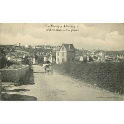 22 SAINT-CAST. Attelage sur la Route à l'Entrée du Village vers 1905