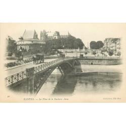 44 NANTES. Place de la Duchesse Anne et attelage sur le Pont vers 1900