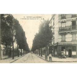 """94 VITRY-SUR-SEINE. Avenue du Chemin de Fer Café """" Au bon Coin """" et sa bière Dumesnil"""