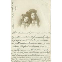 PORTUGAL. Carte postale de jeunes filles en chapeau traditionnel 1902