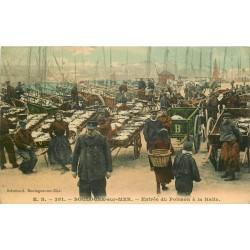 62 BOULOGNE-SUR-MER. Entrée du Poisson à la Halle en couleur 1909