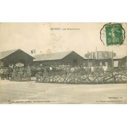 55 REVIGNY SUR ORNAIN. Militaires devant les Baraquements avec Hôpital d'évacuation 1916