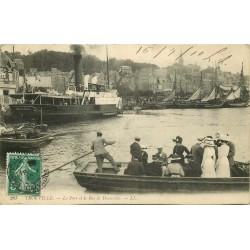 14 TROUVILLE. Le Bac de Deauville dans le Port 1910