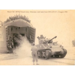 GUERRE 1939-45. French Army Sherman tank lands 1944