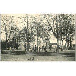 carte postale ancienne 16 LA COURONNE. Eglise Place Hôtel de Ville 1906