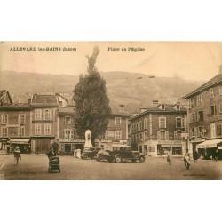 38 ALLEVARD-LES-BAINS. Voitures anciennes devant le Café de la Poste et Pharmacie Place de l'Eglise