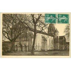 carte postale ancienne 16 LA COURONNE. l'Eglise. Carte émaillographie 1911