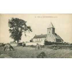78 TACOIGNIERES. L'Eglise avec une Didot voiture ancienne 1935