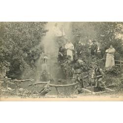 40 DAX. Geyser Etablissement thermal des Baignots avec employé activant l'eau chaude 1907