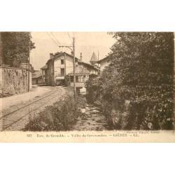 38 GIERES. Vallée du Grésivaudan ligne du tramway électrique devant un Café Restaurant