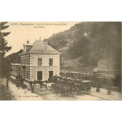 38 ALLEVARD. La Gare avec Train et nombreux carosses 1918