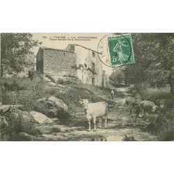 85 LA GUYONNIERE. Paysan et Vaches sur le Vieux Sentier de la Gouraudière 1908