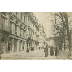 25 BESANCON. Granvelle et rue de la Préfecture avec Chausseur Dechaillet 1908