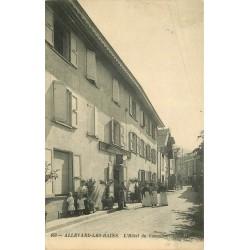 38 ALLEVARD. Hôtel du Commerce bien animé 1917