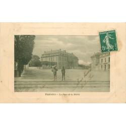 95 VIARMES. Enfants sur la Place de la Mairie 1909