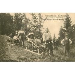 38 ALLEVARD. Descente en traîneau de Brame-Farine 1914